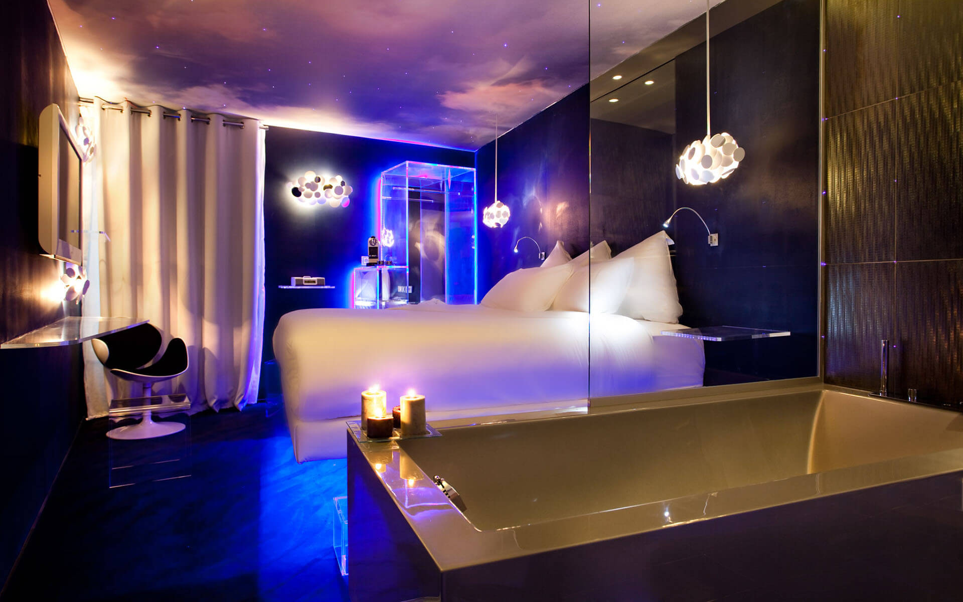 Hotels With Jacuzzi In Room In Paris